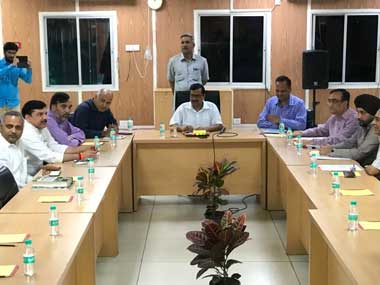 An all-party meeting on the sealing drive held at Delhi Chief Minister Arvind Kerjiwal's residence on Tuesday. Twitter@AamAadmiParty