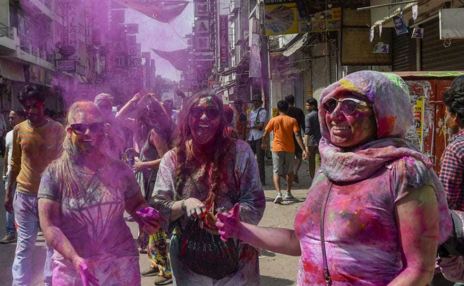 In Delhi, city hotspots including amusement parks and community centers saw huge footfalls as revellers feasted and spent time with friends and relatives celebrating Holi. PTI
