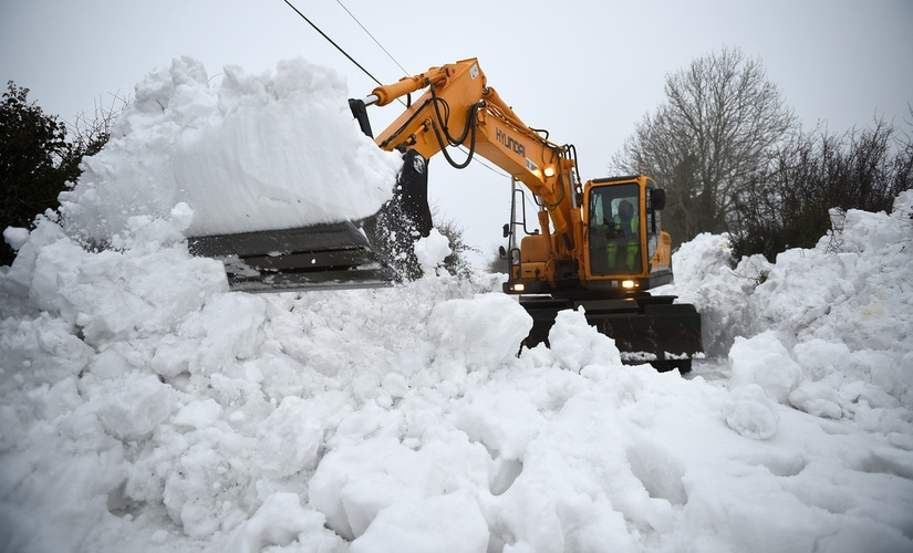 The US East Coast is lashed by winter's final storm/ REUTERS