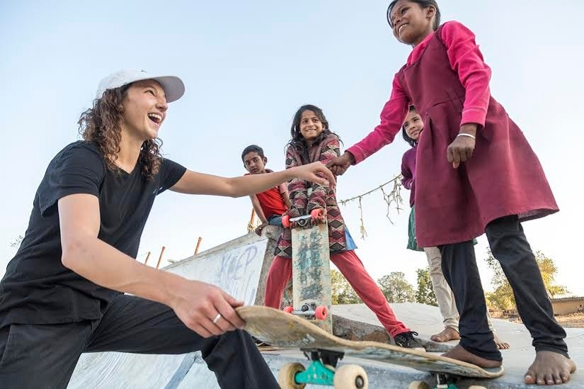 Girls Skate India 2018 stopped for four days in Janwaar. Priyanka is given a hand by Mary.
