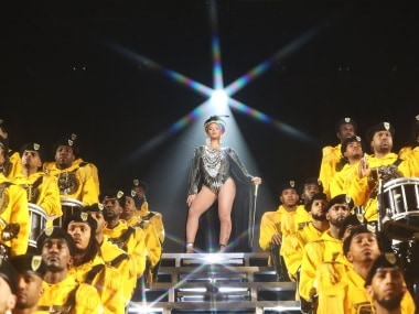Beyoncé, Solange Knowles suffer onstage fall during Coachella act; sisters laugh off mishap