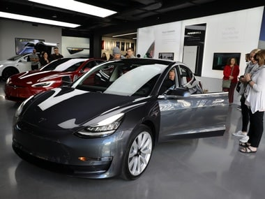 Elon Musk announces AWD Tesla Model 3 specifications with Performance package priced at $78,000