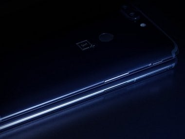 OnePlus 6 teaser reveals re-positioned alert slider along with new antenna band layout