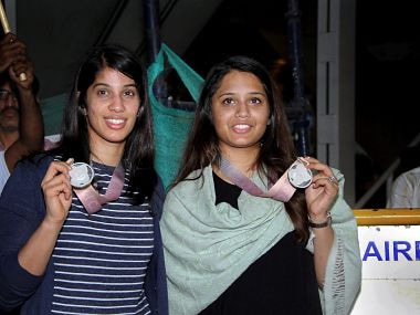 Commonwealth Games 2018: Silver medallists Joshna Chinappa, Dipika Pallikal arrive in Chennai to warm welcome