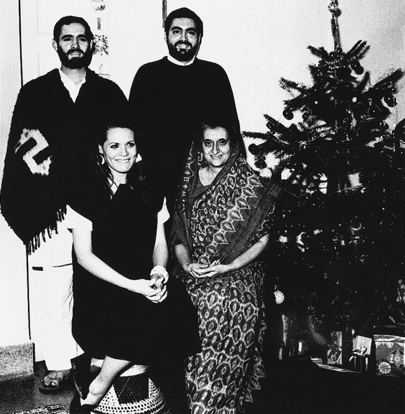 Sonia Gandhi with Indira, Sanjay and Rahul Gandhi during a Christmas celebration