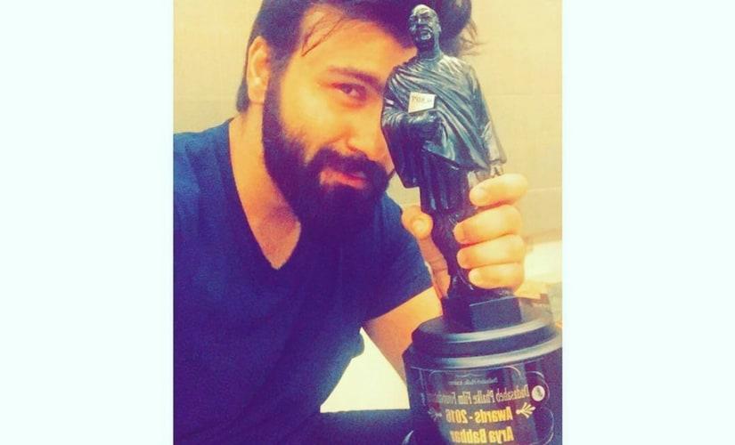 Arya Babbar with his Dadasaheb Phalke Award/Image from Instagram.