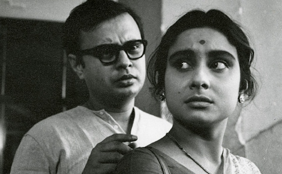 Mahanagar (1963) is a critique of two clashing value systems between the older and younger generations — tradition and modernity.