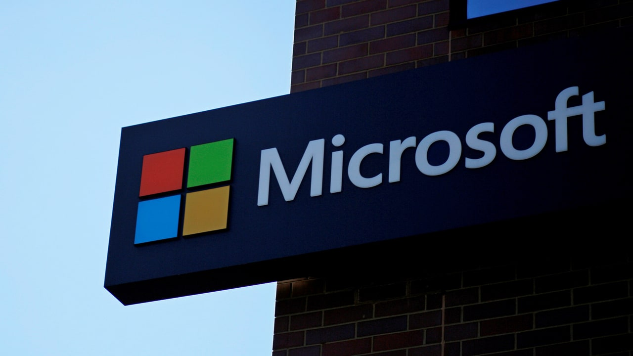 Microsoft makes 60,000 patents open source in a bid to help protect Linux- Technology News, Firstpost