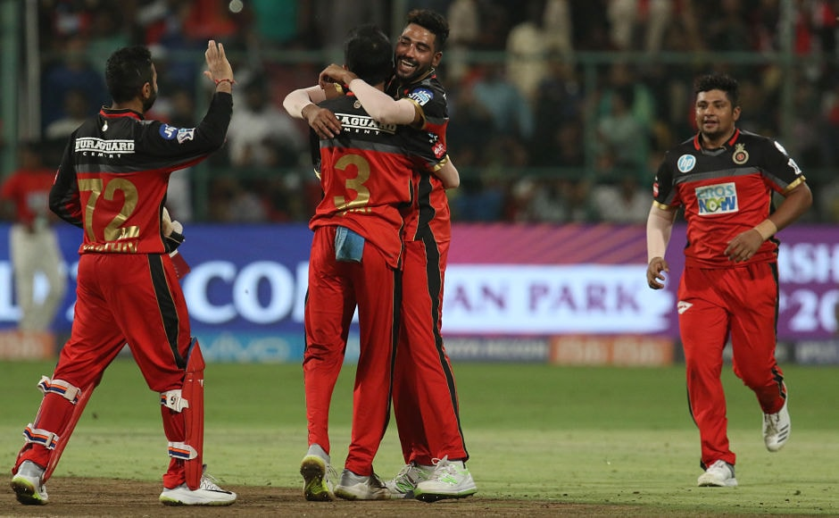 Royal Challengers Bangalore celebrate their narrow 14-run victory over Sunrisers Hyderabad. Courtesy this win, they are still alive in IPL 11. Sportzpics