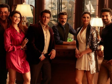 Race 3 song Party Chale On has Salman Khan, Jacqueline Fernandez and entire cast let their hair down