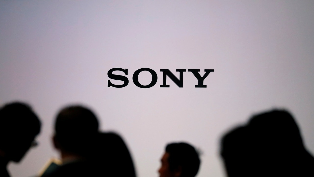 Sony reportedly patents a phone having a folding display with pressure sensors embedded