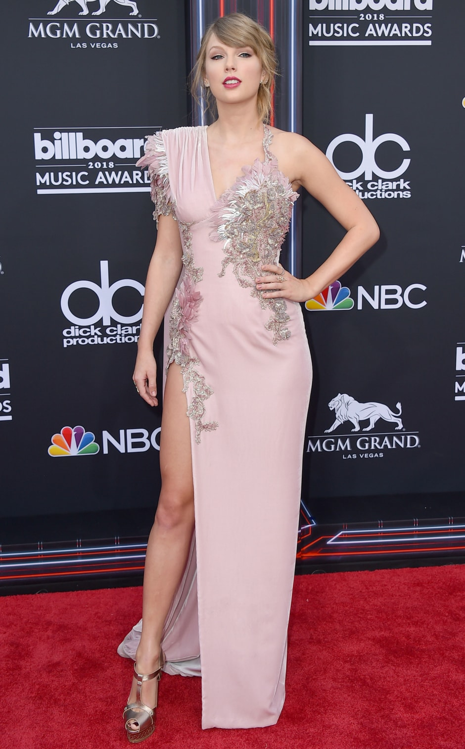Image result for taylor swift 2018 red carpet