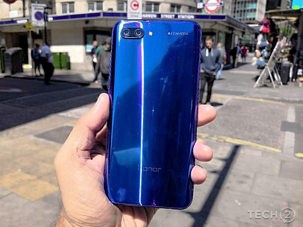 The Honor 10 features an unusual, and rather attractive, glass finish.