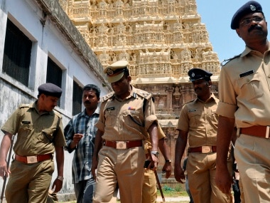 Hindu outfit tries to send women to Sabarimala-linked mosque citing SC verdict; Kerala Police detains members