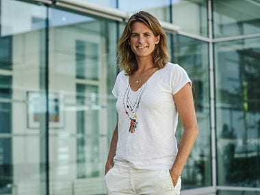 Former World No 1 Amelie Mauresmo becomes first woman captain of Frances Davis Cup team