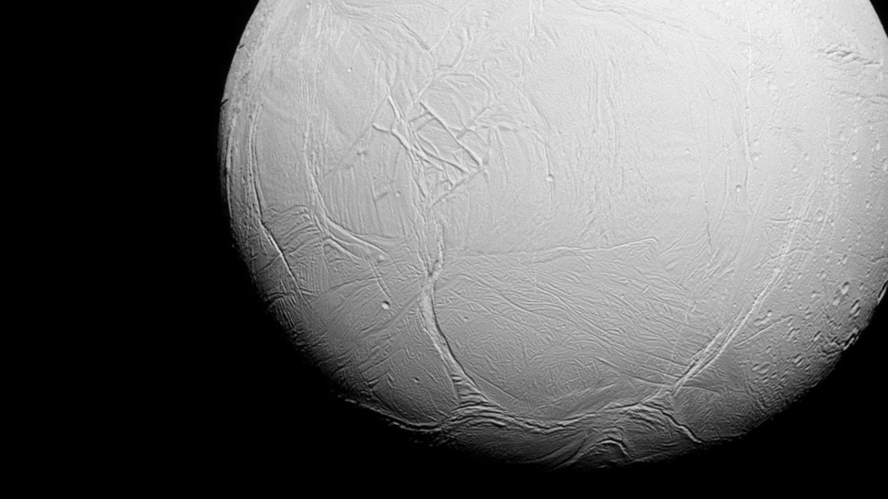 Saturns moon Enceladus could support life, new Cassini findings suggest