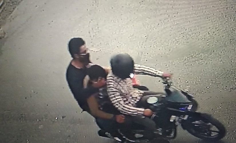 The image from CCTV recording of alleged suspects fleeing the spot. Image procured by Ishfaq Naseem