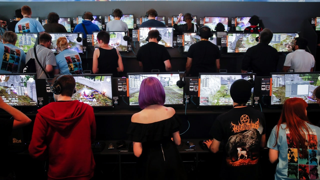 Chinese govt aims to fight video game addiction by limiting young gamers to 90 mins of playtime on weekdays