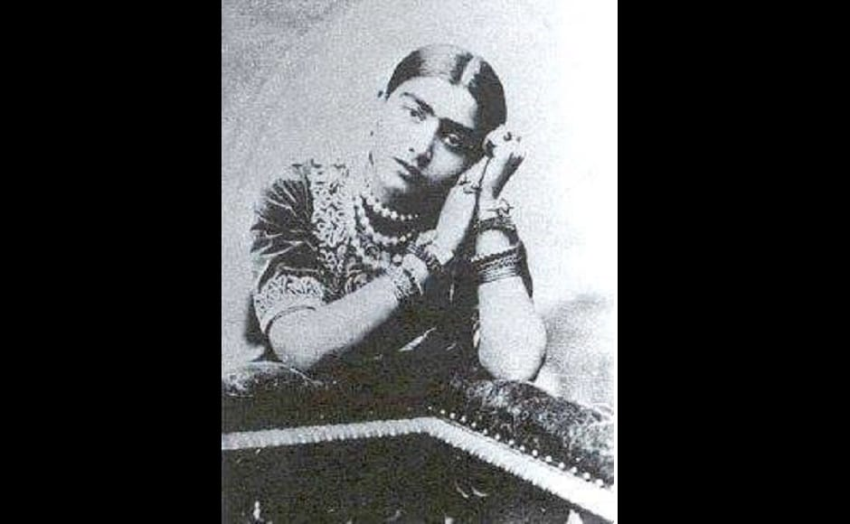 Gauhar Jaan started learning classical music in Kolkata under the tutelage of the three founders of Patiala gharana — Kalu Ustad, Ustad Vazir Khan and Ustad Ali Baksh. Additionally, she also took training in Kathak from Bindadin Maharaj. Facebook