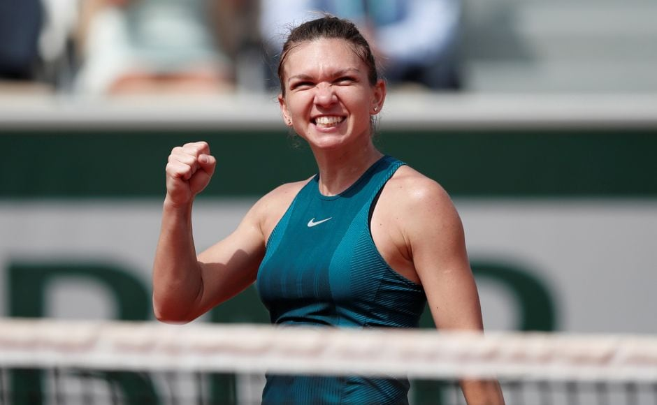 Guburuza rolls over Sharapova into French Open semis