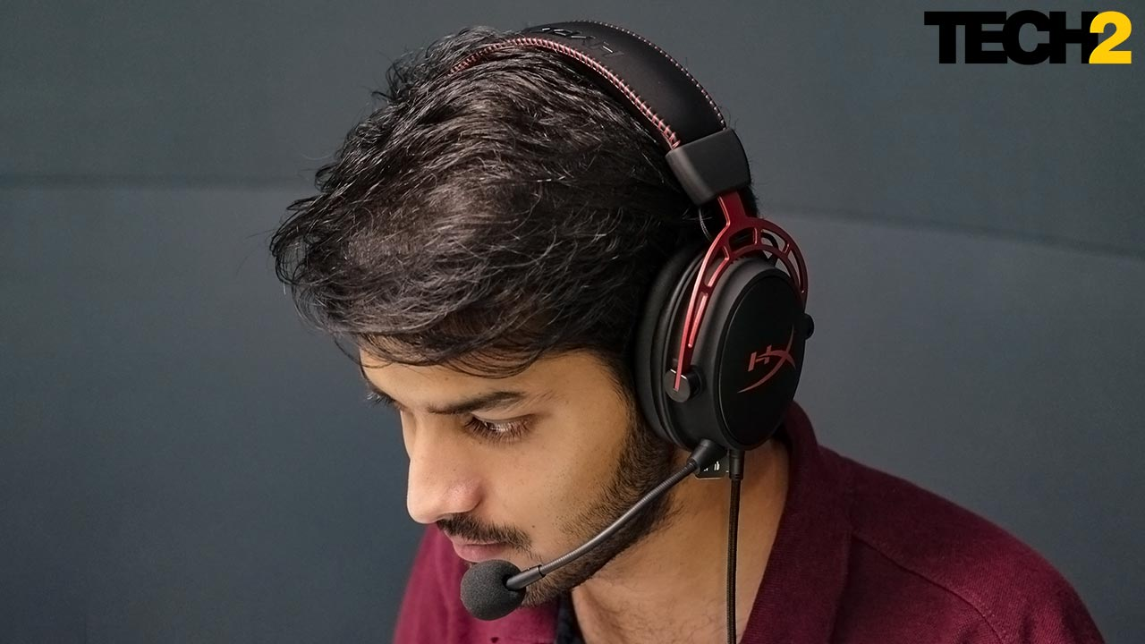 The design and padding makes the set very comfortable for long gaming sessions. Image: Tech2/Anirudh Regidi
