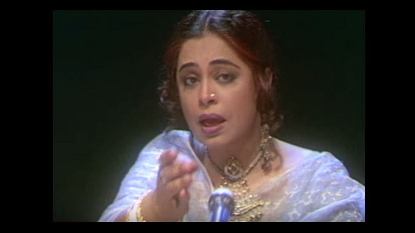 Kirron Kher's comeback film was Shyam Benegal's<em> Sardari Begum</em>, which won her the Special Jury Award at the 1997 National Film Awards. Image from YouTube