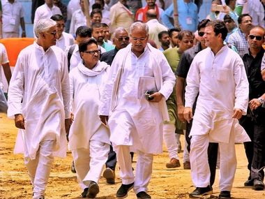 State Congress leaders TS Singhdev Punia and Bhupesh Baghel with Rahul Gandhi. 101 Reproters