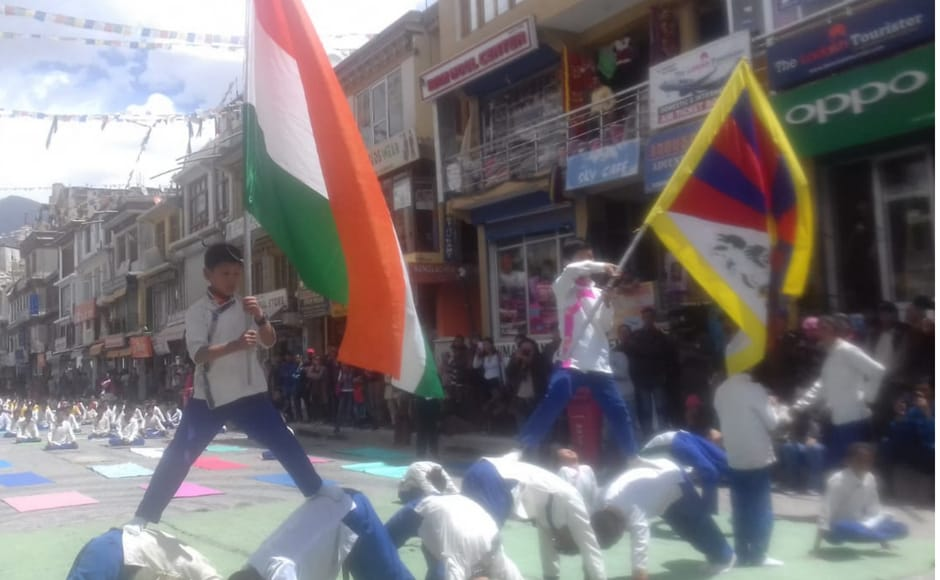 International Yoga Day celebrations take place in Leh Ladakh region. Twitter/@airnewsalerts
