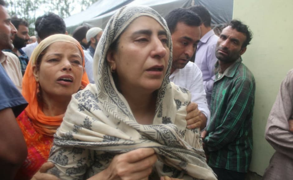 As people assembled in hundreds to pay their respects to Bukhari, The Rising Kashmir also pulished an article that said 'We will uphold your principle of telling the truth however unpleasant it may be'. Sameer Yasir/Firstpost