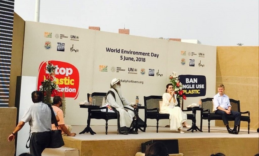 Sadhguru Jaggi Vasudev, Dia Mirza and Executive Director of the United Nations Environment Programme (UNEP) Erik Solheim