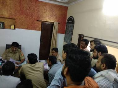 Students in Aligarh submitting a complaint to the police. Image: 101Reporters