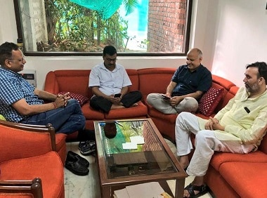 Delhi Chief Minister Arvind Kejriwal and other ministers staging a sit-in protest at the L-G's house. Twitter/@Rupashree Nanda