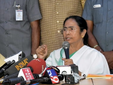 Mamata using Kejriwal to project herself as third front leader; won't hesitate to strike hard bargain with Congress