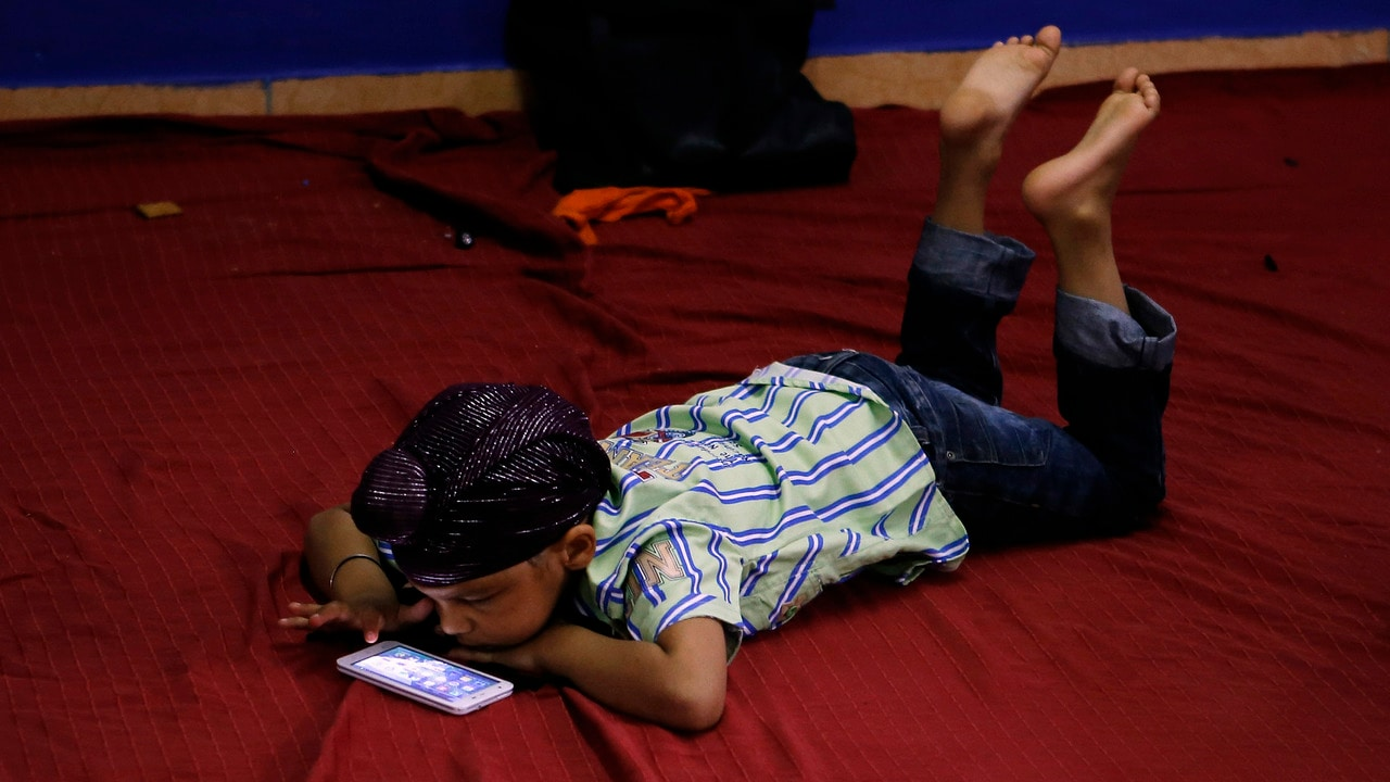 70 percent of teenagers tried to reduce their time spent on smartphones: Survey