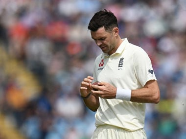 England's James Anderson prepares to bowl on the first day of the second Test cricket match between England and Pakistan at Headingley cricket ground in Leeds, northern England on June 1, 2018. / AFP PHOTO / OLI SCARFF / RESTRICTED TO EDITORIAL USE. NO ASSOCIATION WITH DIRECT COMPETITOR OF SPONSOR, PARTNER, OR SUPPLIER OF THE ECB