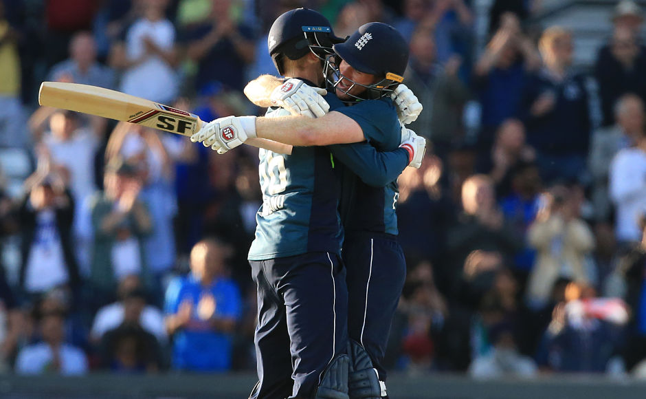 Joe Root and Eoin Morgan batted India out of the match with an unbeaten third wicket partnership of 186 runs while chasing 257 to win. AFP
