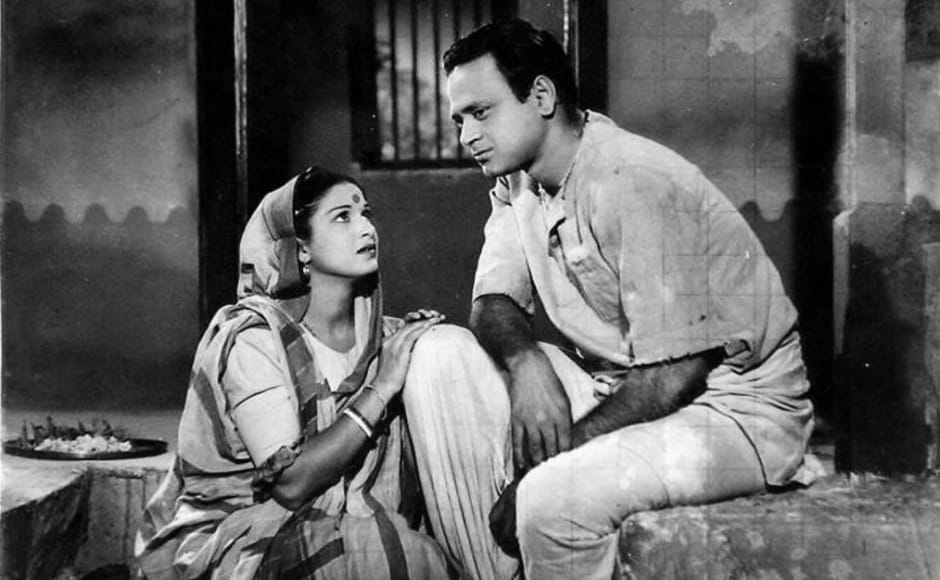 Yet another adaptation of Sarat Chandra Chattopadhyay's novel, Biraj Bahu was one of Roy's earlier creations that went on to win the National Award for the best film.