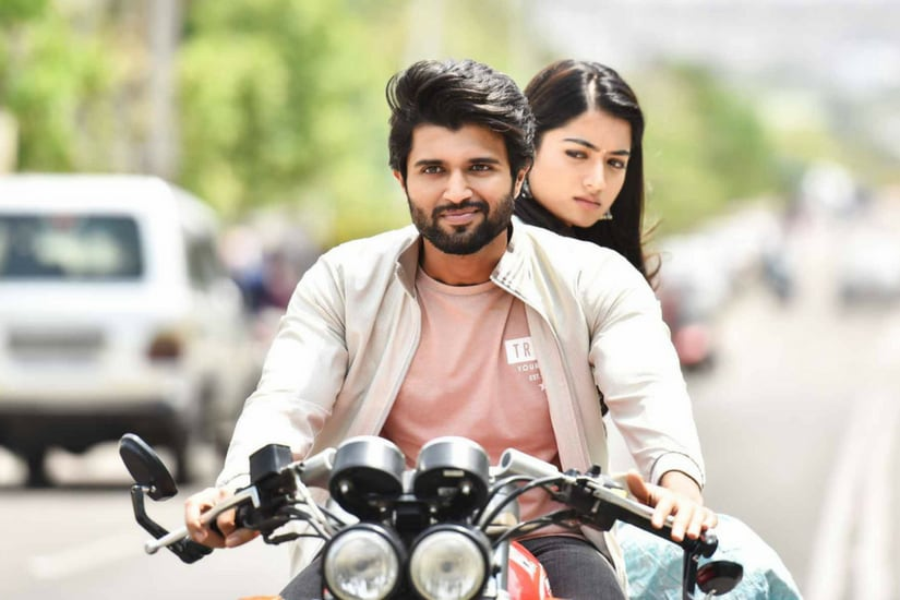 Vijay Deverakonda and Rashmika Mandanna in a still from Geetha Govindam/Image from YouTube.