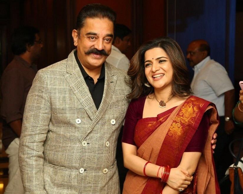 Dhivyadharshini and Kamal Haasan pose during the Twitter summit. Image via Twitter