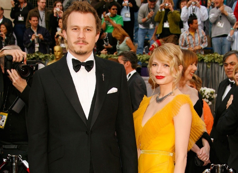 Michelle Williams (L) and Heath Ledger at Oscars 2006. Image via Twitter/@VIPortalINC