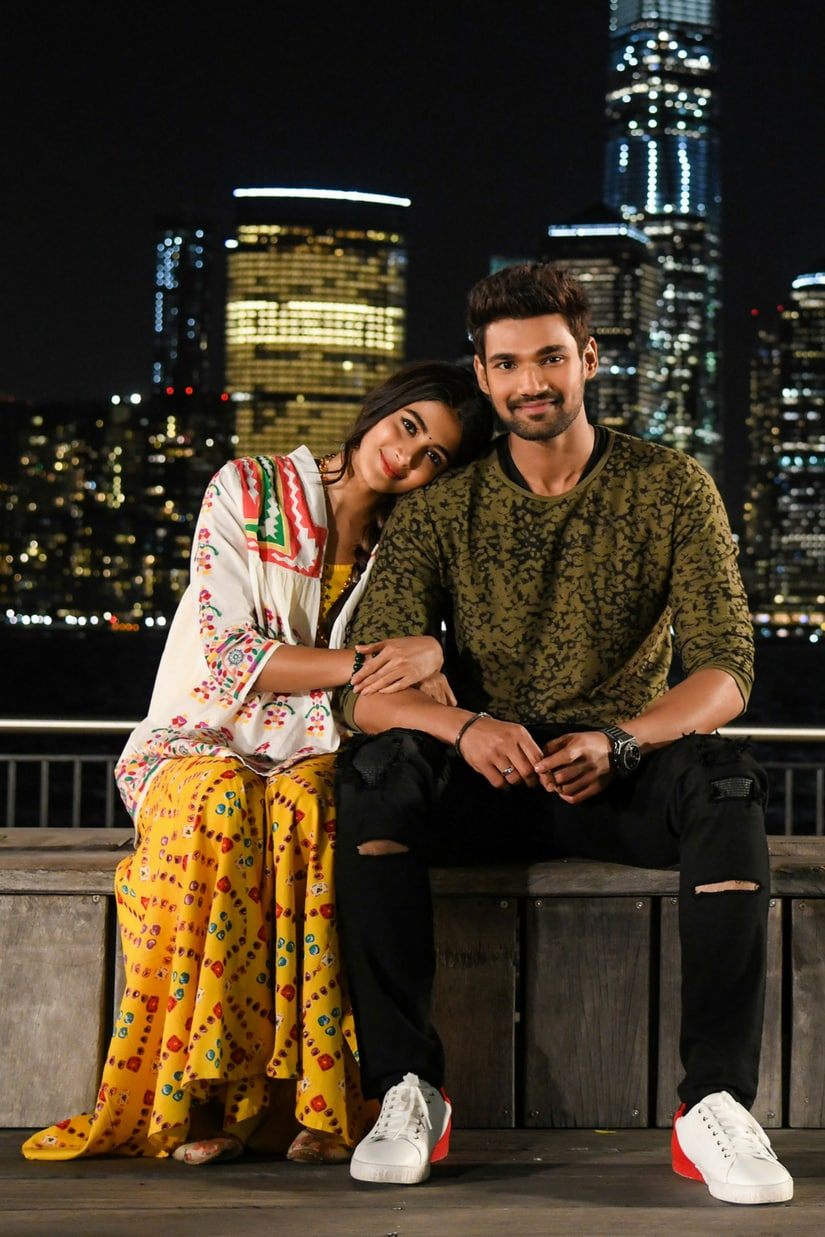 Pooja Hegde with Saakshyam co-star Bellamkonda Sreenivas/Image from Twitter.