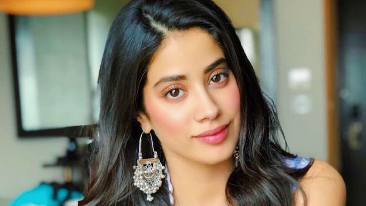 Janhvi Kapoor on carrying Sridevis legacy with Dhadak: Wont be satisfied if I just lived off my parents
