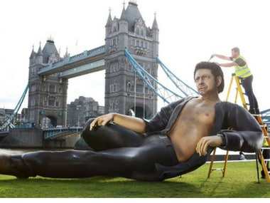 Jeff Goldblum's 25-foot statue erected in London to commemorate 25 years of Jurassic Park
