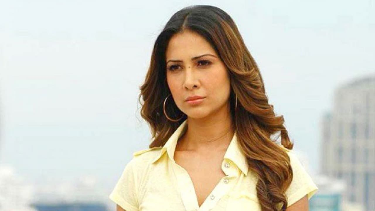 kim sharma's house help accuses actress of physical assault and non