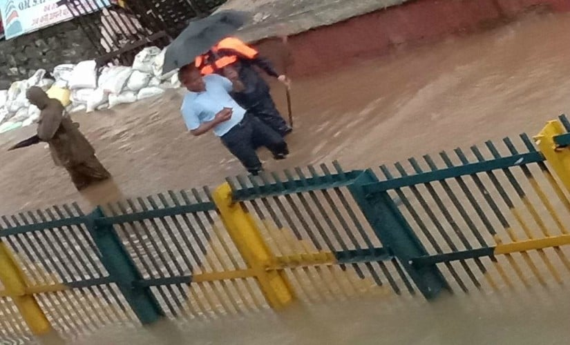 Waterlogging near rail lines. Image via Twitter/@westernrly