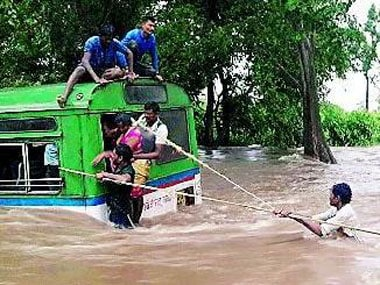 The daring save of passengers from a sinking bus in Gadchiroli. Image procured by Varsha Torgalkar