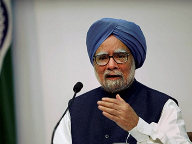 Best tribute to Somnath Chatterjee is to stand in firm defence of Constitution, says Manmohan Singh at memorial service