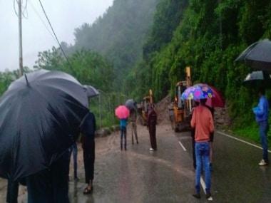 Himachal Pradesh highways closed after heavy overnight rain; five buried under landslide, hundreds stranded