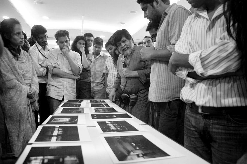 Shahidul Alam (holding microphone) at a workshop in Mumbai organised by the Photography Promotion Trust. Photo courtesy Ravi Shekar