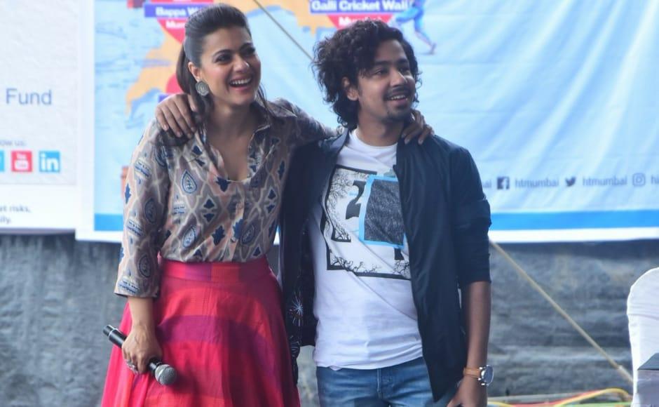 Kajol (left) and Riddhi Sen at the launch of 'Yaadon Ki Almari' at NM College, Mumbai